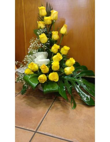 Centro de rosas amarillas