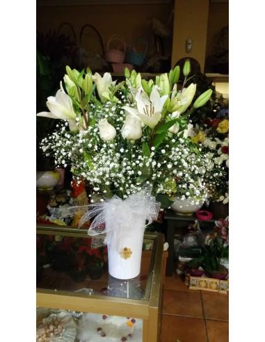 Ramo de Rosas Blancas y Lilium Blanco