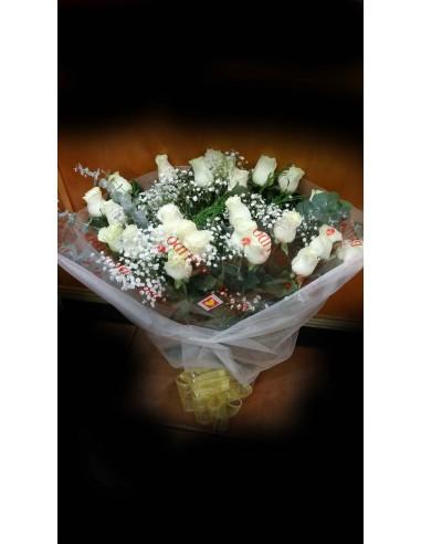Ramo de flores de 24 rosas blancas